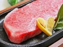 阿波牛のステーキ!きめの細かさが柔らさの証。