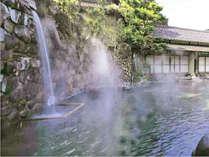 【庭園混浴大露天風呂】龍宮の湯は本年完成110周年を迎えた自家源泉かけ流しの混浴露天風呂★
