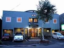 ホテルとは趣きの異なる家族で営む、家庭的でシンプルなB&Bスタイルの宿です。