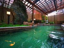 エメラルドグリーンの超濃厚☆硫黄泉!露天風呂(男性用)