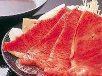 メインの飛騨牛はしゃぶしゃぶ(一例)、ステーキ、すき焼きよりお好みで選べる