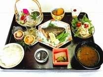 ランチ☆こんな感じのお料理で、時々ですが ランチ営業しています。(1人前1500円)予約が必要です☆
