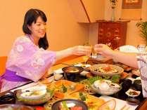 お食事はのんびりお部屋食♪ごゆっくりとお召し上がりください。