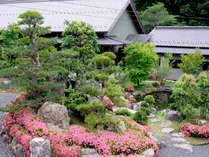 ■外観■自然に囲まれた当館では、四季折々の自然の姿がお愉しみいただけます。