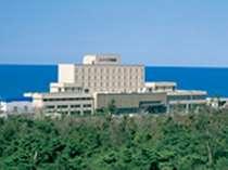 瀬波温泉の海辺のホテル