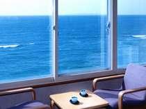 *海側のお部屋からは、雄大な日本海が一望できます