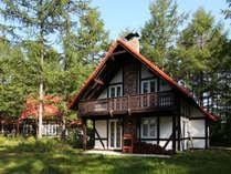 コテージ一棟貸し 森のリゾート ~2階建て、寝室が3つ。100㎡です。