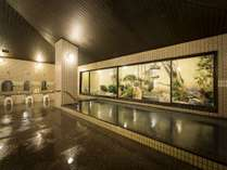 庭園を眺めながら大浴場でリフレッシュ(6:00~9:00、16:00~25:00)