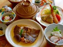 *ナメタカレイ煮とモヨロ鍋(一例)おいしいカレイの煮物を召し上がれ