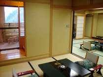 紫苑:温泉露天風呂付き和室。特製の陶器製浴槽の温泉露天ぶろ付きのお部屋です。