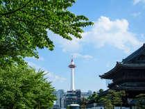 徒歩圏内には東本願寺や渉成園など観光名所がございます。