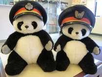 左が国鉄時代、右がJR西日本で使われていた制帽です。ぜひ記念撮影にどうぞ♪