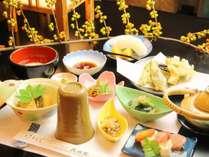 信州の味覚をふんだんに使用した、久山館の夕食一例です。