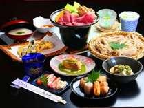 ■~戸隠そばと季節の会席~ 信州の旬の味覚をふんだんに使用した、久山館の夕食一例です。