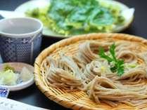 ■ひさやま特製 石臼挽き蕎麦 「つなぎ」「つゆ」「水」にこだわり、妥協する事無く作りあげた蕎麦です。