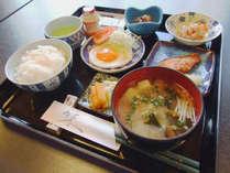 *【朝食一例】女将が作る家庭的な和定食です