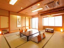 落ち着いた雰囲気の和室は広々15畳