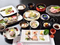 【ご夕食一例】旬のお野菜や取れたての山菜など、地元産にこだわった手作り料理。