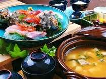 【お部屋食プラン★人気1位】伊豆季節のお造りと特製お味噌汁セット
