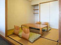 カジュアル和洋室55平米(和・4.5畳)定員4名:2名は和室にてお布団をご利用いただきます。