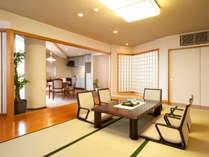 最上階オーシャンビューラージ和洋室112平米(和・9畳)定員5名:広々使える和室