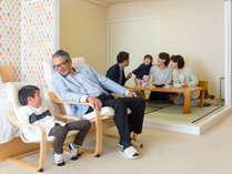 1室限定子供がうれしいキッズ和洋室65平米(和6帖)定員5名(禁煙):和室もあるからお布団でも寝られるね。