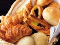 ホテルに泊まったらやっぱり朝食を食べよう!朝から元気に♪ 和洋60種類バイキング【朝食付プラン】