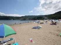 400mの砂浜が広がる、波静かな長浜海水浴場!徒歩3分だよ!駐車場も400台OK!