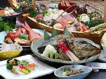 《美食》豪快!カンパチかぶと焼き&伊勢エビ付き舟盛磯料理の一番人気グルメプラン【意外と熱海】
