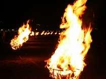 《夏一番イベント》迎え火・長浜海上花火大会(12日)&送り火の百八体かがり火・網代花火大会(16日)
