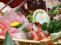 ◆伊勢エビを・・お刺身、鬼殻焼き、具足煮で、ちょっぴり贅沢にお召し上がりください。