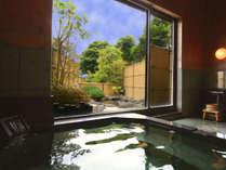 大浴場「浜の湯」は三密を避けるため、予約不要、無料の貸切風呂として運用しております。