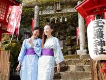 ◆庭内にある玉簾神社。縁結びの神様としても御利益あり!