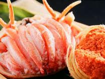 セコガニ(松葉ガニのメス)は、食べ易いように身出しして、お出しします。