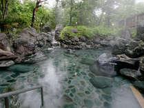 女子風呂も開放的な岩風呂♪旅の疲れも癒されます。