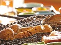 【松柏亭】お肉や魚介類、山菜や野菜を炭火で焼いた料理・囲炉裏焼会席(イメージ)
