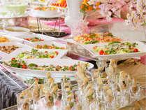 楽しい食べ放題&温泉で癒される!桜バイキング(イメージ)