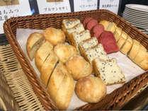 ディナーバイキングの新コナー♪シェフがご夕食に合うパンを揃えました!(イメージ)