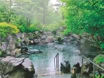 磐梯山噴火時の岩を積み上げた露天岩風呂。