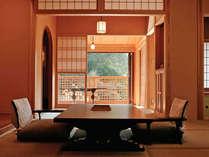 *<和邸 山王院「鶴」>本館の中でも一番広い和室二間+源泉掛け流し温泉の檜風呂付き客室