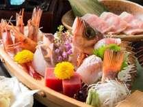 【海の幸】当館人気「舟盛付会席」季節ごとに料理内容は異なります(舟盛は2人前イメージ)