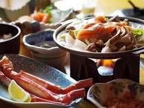 湖畔亭の0泊2食プランのランチはお客様に大好評!こちらは蟹も付いた「鮭のちゃんちゃん焼き定食」