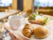 朝食バイキング一例/クロワッサンが人気!