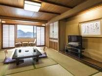 のんびり足を伸ばせる和室でお茶やお菓子をいただきながらごゆっくりお寛ぎください