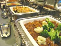 夕食バイキング一例/できたて料理がたくさん並ぶ!お腹一杯になるまでお楽しみください♪