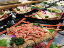 夕食バイキング一例/お刺身も各種ご用意しております!