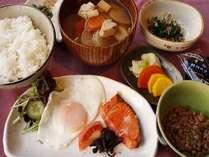【朝食】朝からしっかり!元気にスタート☆彡地元人気「だるま納豆」付き★