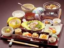 当館自慢の朝食はボリュームたっぷり地産地消お膳です!