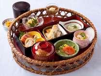 【出張費削減】 料理長おすすめディナー&和洋の朝食バイキング付 ◆源泉100%天然温泉大浴場付◆