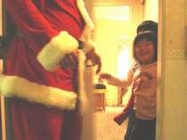 突然お部屋にサンタ登場!「ファミリークリスマスプラン」